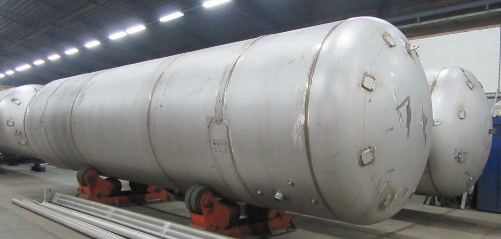 LNG-tanks in aanbouw